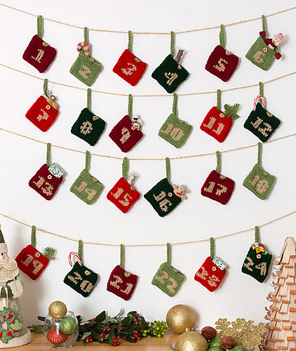 free christmas knitting pattern for a gift pocket advent calendar
