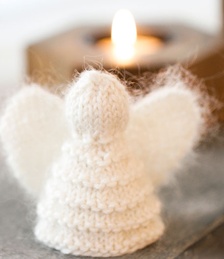Free knit pattern for a Christmas cherub
