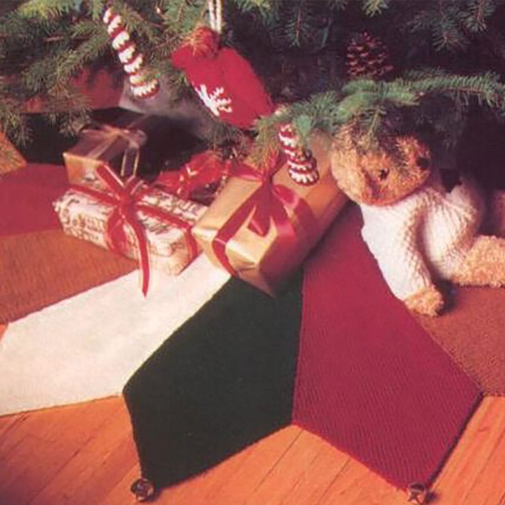Free Christmas skirt knit pattern