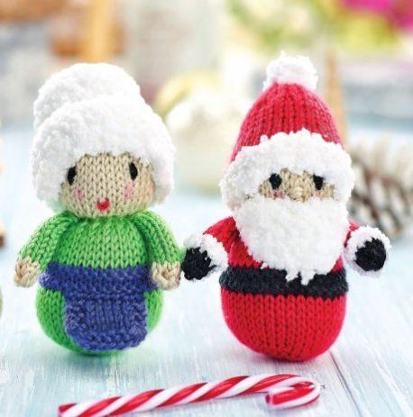 Knit a tiny Santa and Mrs Claus