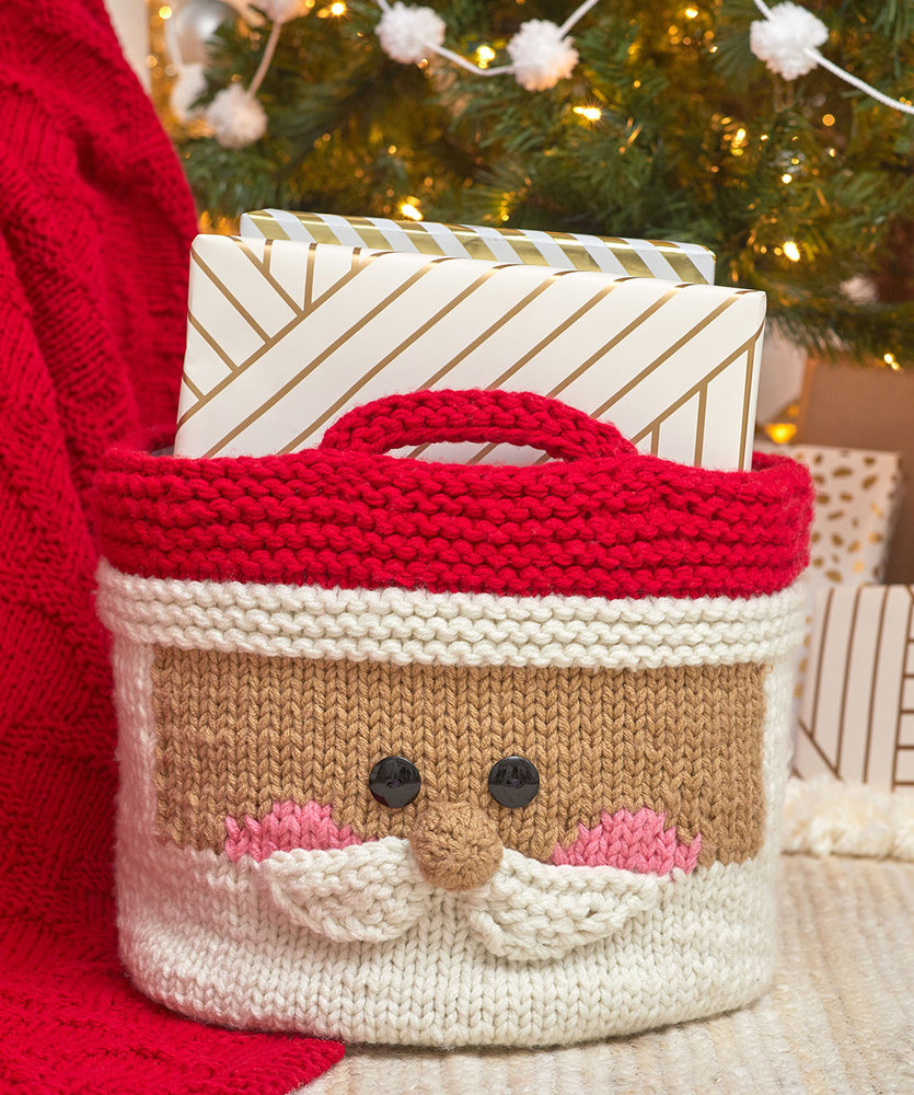 Knit a Santa gift basket with this free pattern