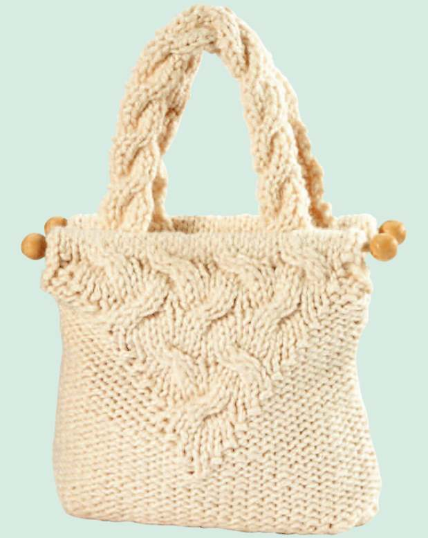 Free Pattern for a Cable Knit Purse