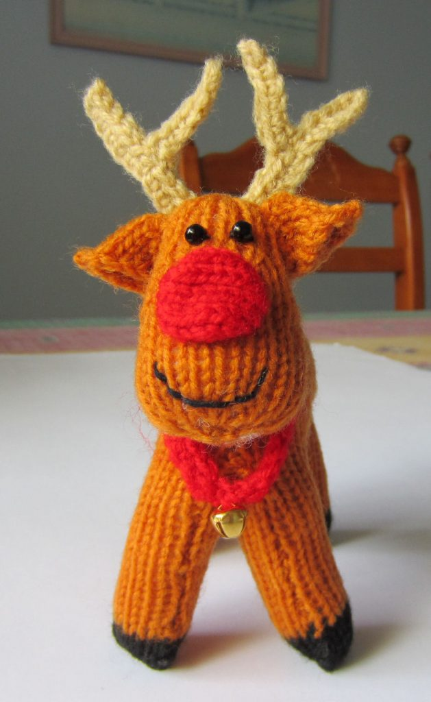 Free reindeer knitting pattern