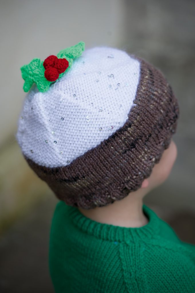 Free Christmas pudding hat pattern