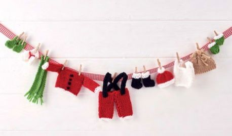 Santas clothes garland knit pattern