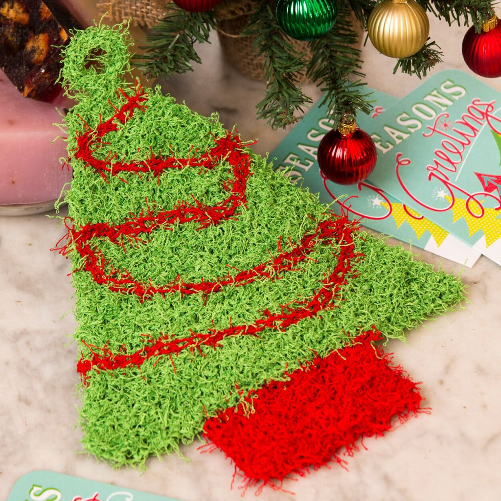 Free knit pattern for a Xmas tree scrubby