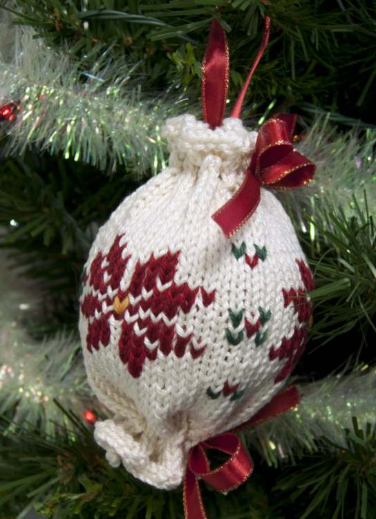 Fair isle poinsetta tree ornament knit pattern