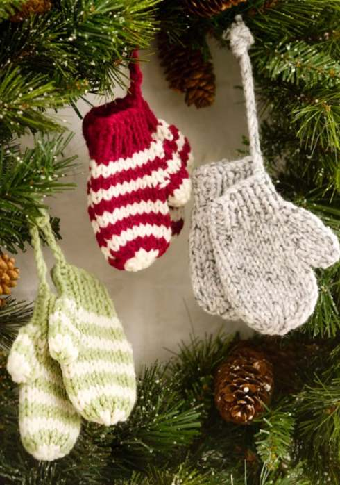 Free knitting pattern for a Christmas ornament