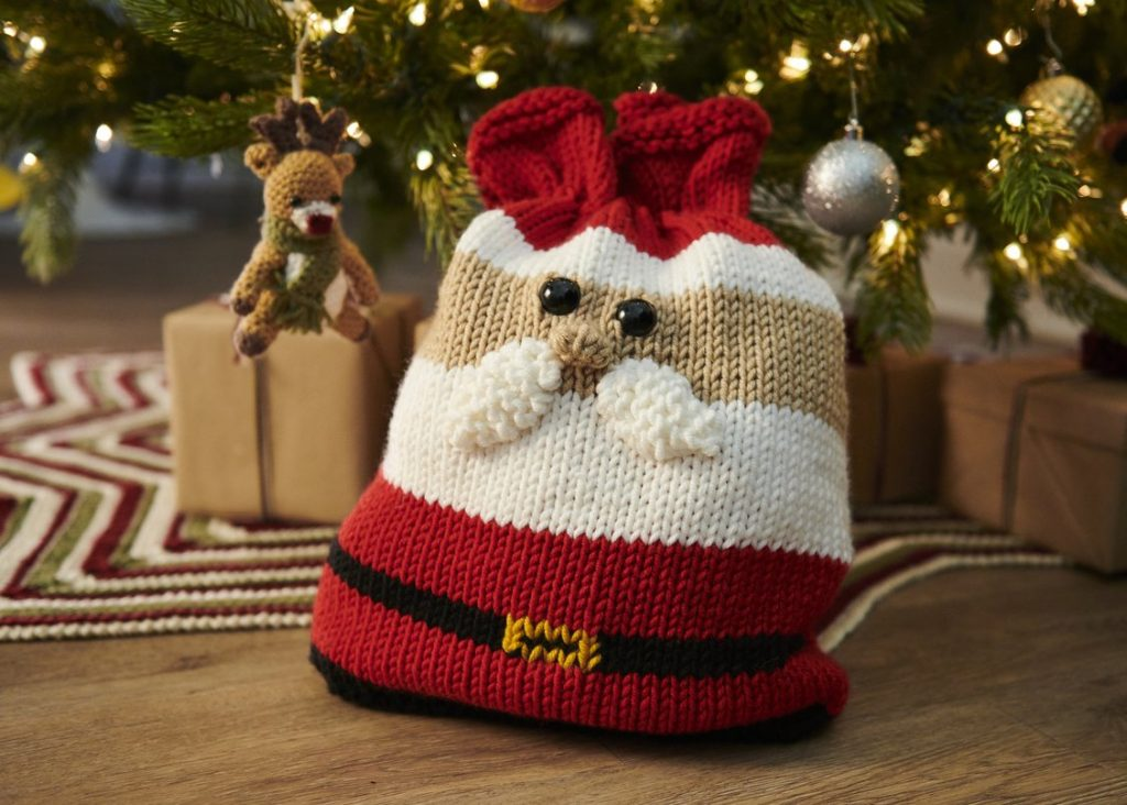 Free knitting pattern for a Santa Gift Bag