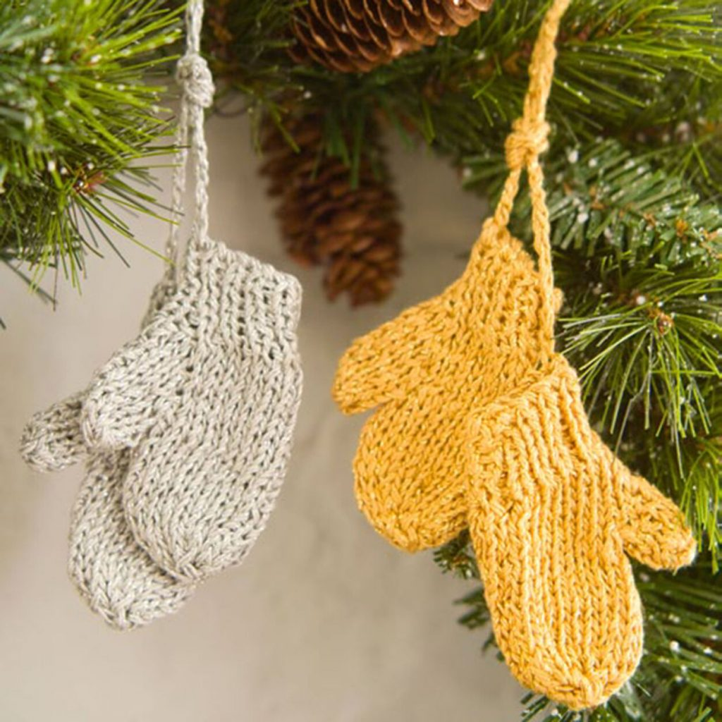 Mitterns Xmas tree ornament free knit pattern