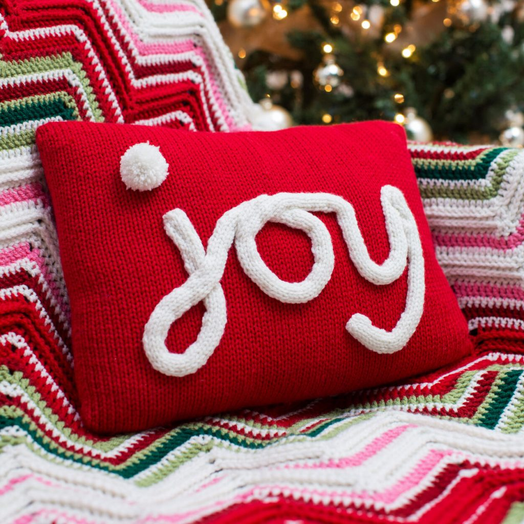 Pillow knit pattern Joy for Christmas