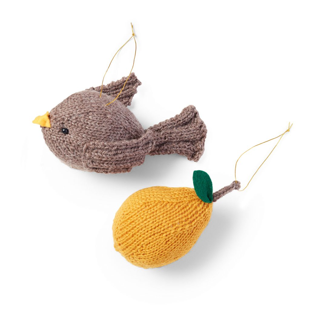 patridge and pearn Christmas tree ornament free knitting pattern
