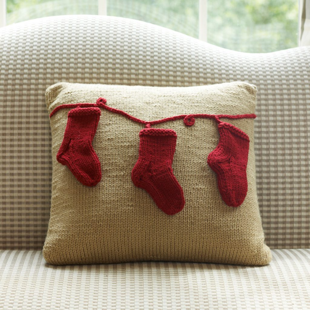 Free knit pattern for a Christmas stocking pillow