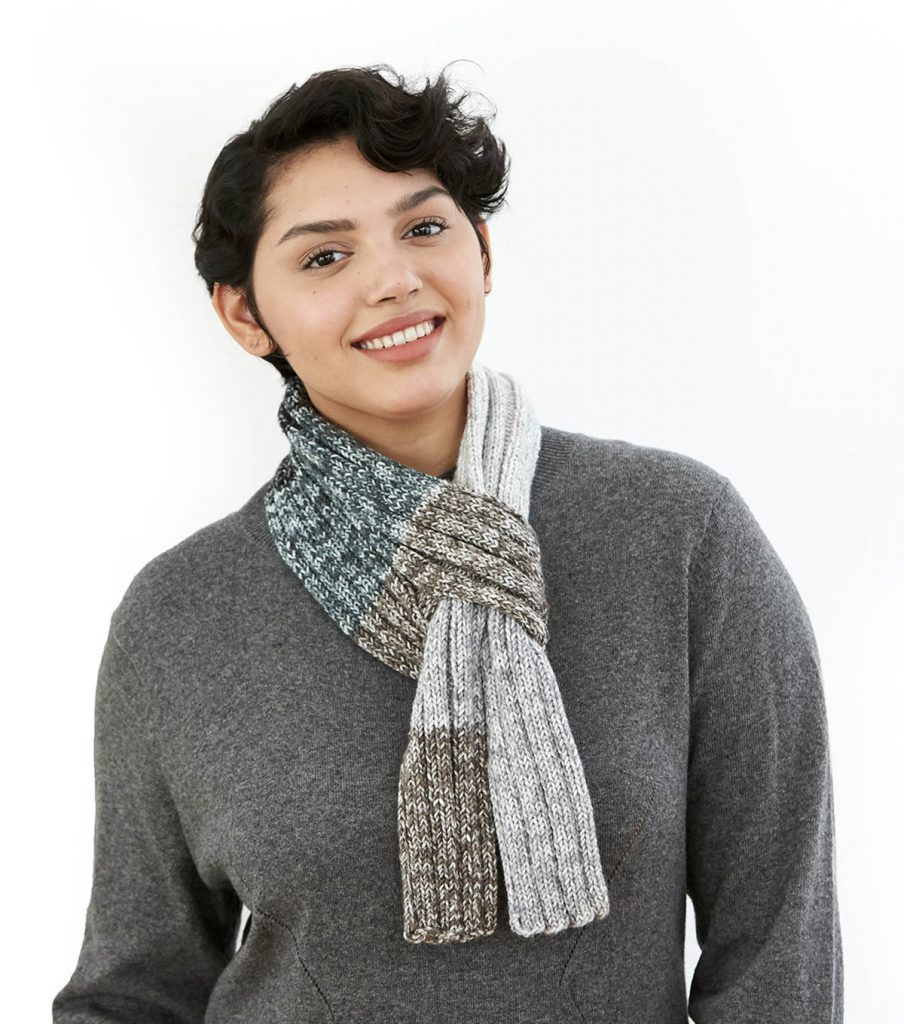 Free knitting pattern for a keyhole scarf