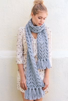 Free knitting pattern for an easy chunky lace scarf