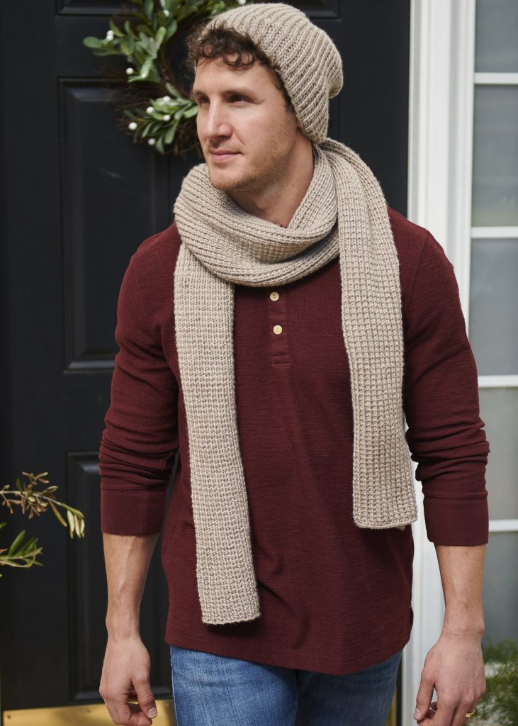 Free knitting pattern for an easy ribbed scarf and beanie set for men