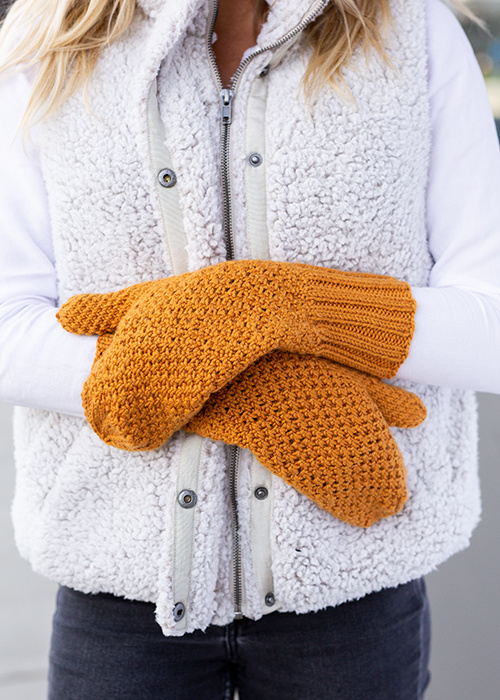 Free knitting patern for mittens with beehive stitch