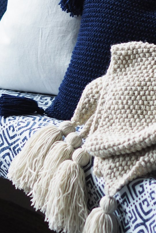 Easy beginnner blanket knit pattern with tassels