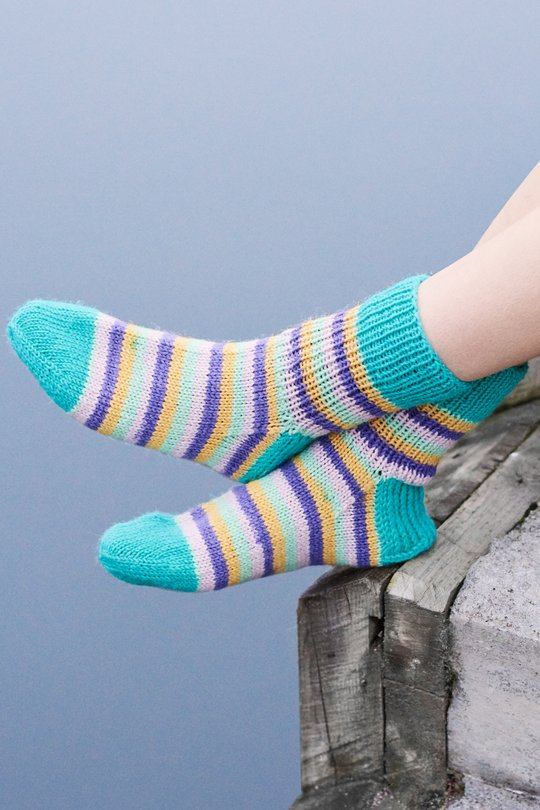 Easy and free sock knitting pattern