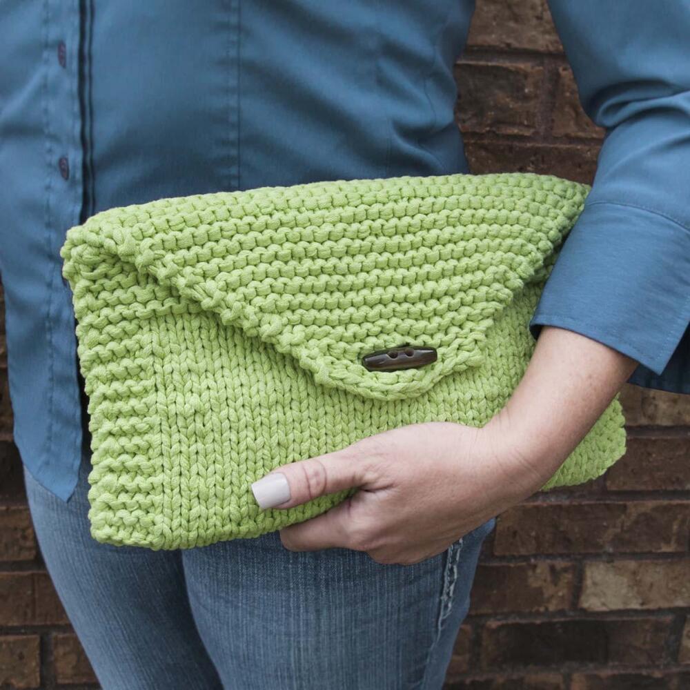 Promenade Clutch Knit Pattern Free Download