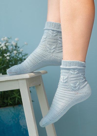 Socks with Horizontal Rib Stitch free knit pattern