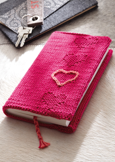 Free Knitting Pattern for a Book cover with heart