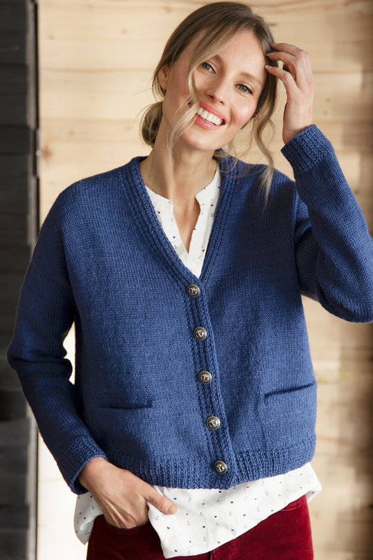 Free classic easy cardigan knitting pattern