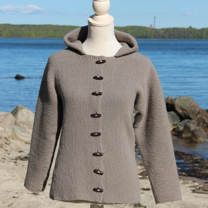 Free knit pattern for an easy hooded jacket