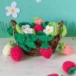 Free knitting pattern for a basket of strawberries