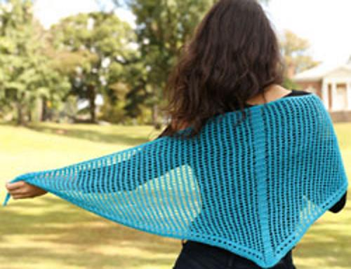 free knitting pattern for a triangular mesh lace shawl