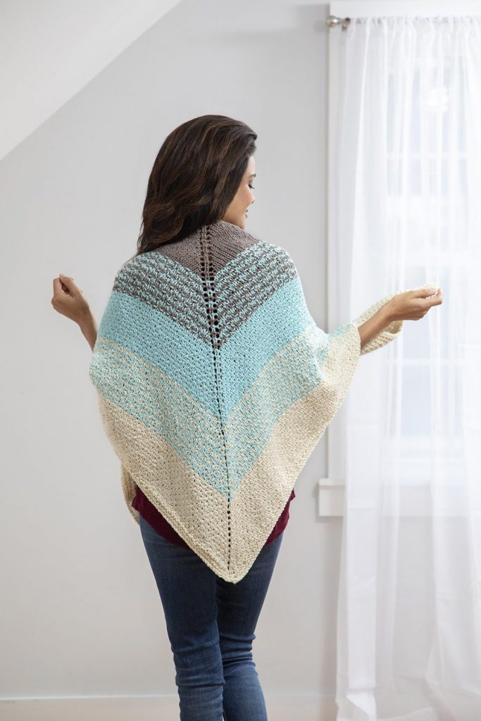 Free knitting pattern for a shawl with triangle shape