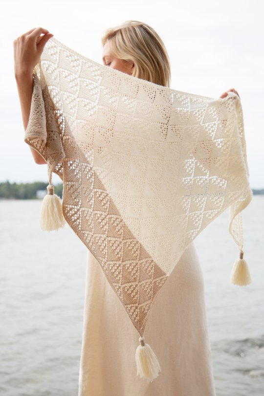 diamond lace triangle shawl free knit pattern with tassels
