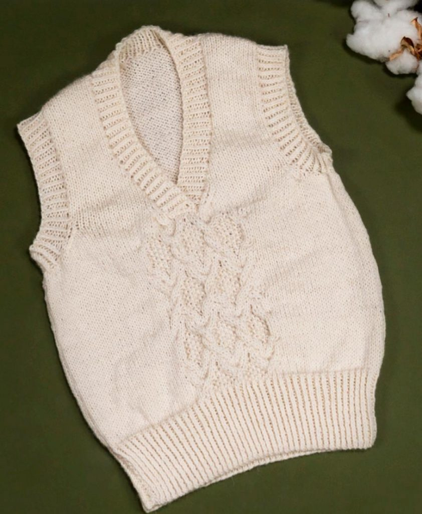 Free knitting pattern for a cabled unisex vest
