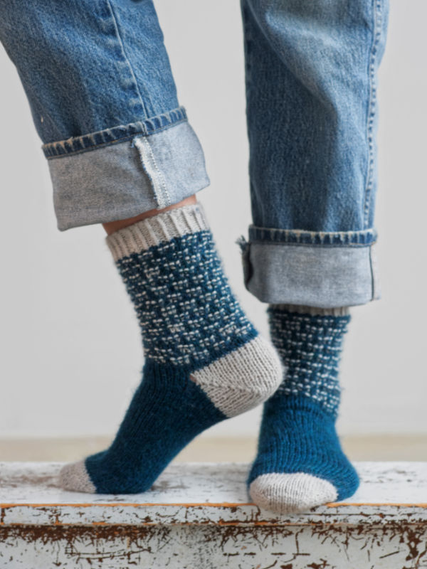Free Knitting Pattern for 2 Color Socks