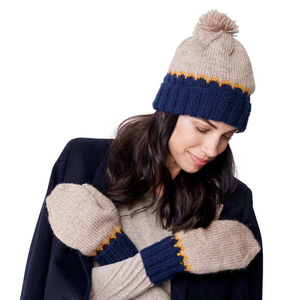 Free knitting pattern for a classic fair isle hat and mittens set with a modern look