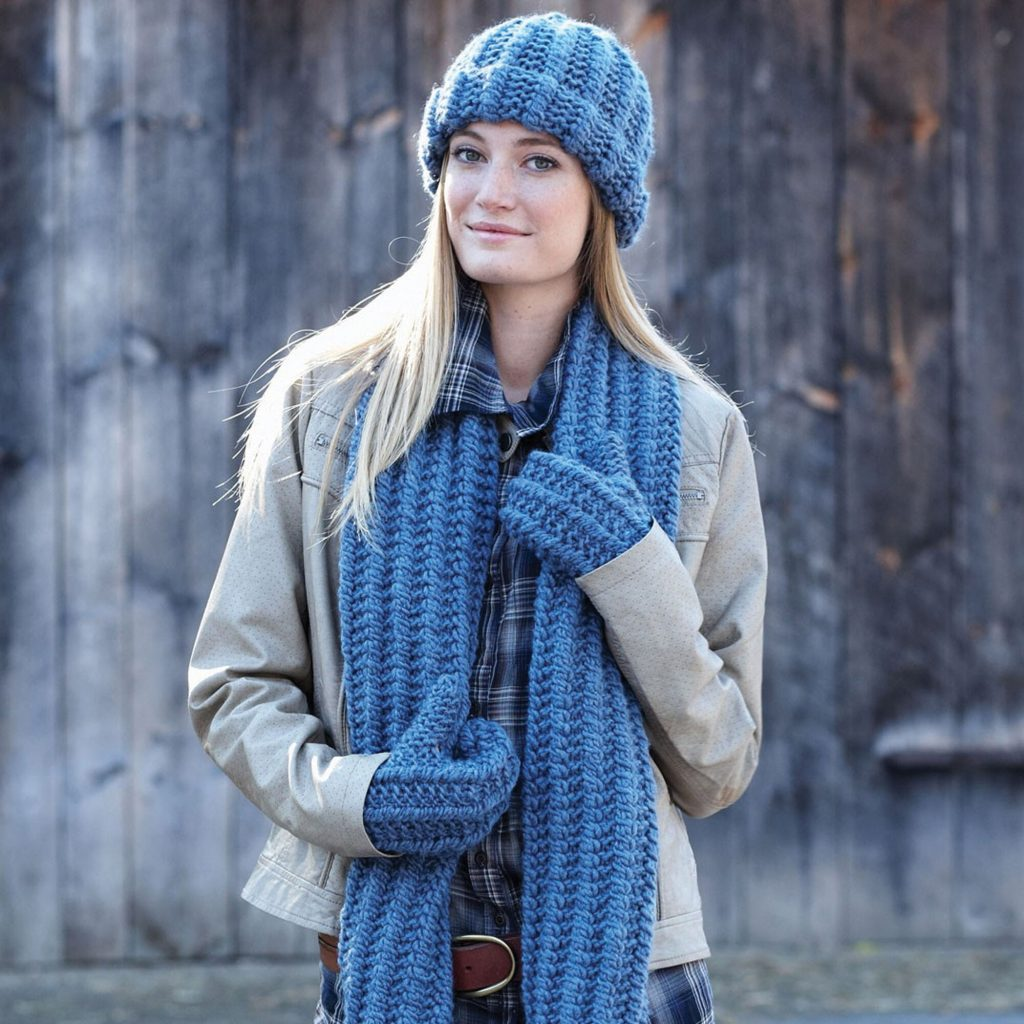 Free knitting pattern for a hat scarf and mitts set