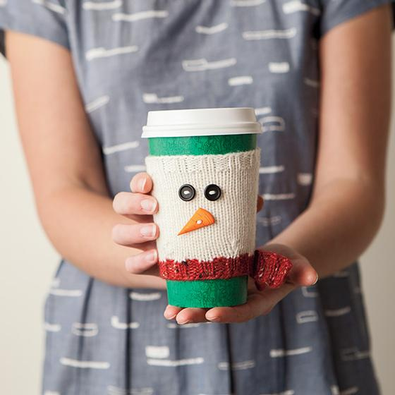 Free Christmas Knitting Patterns for 2020 coffe mug cosy