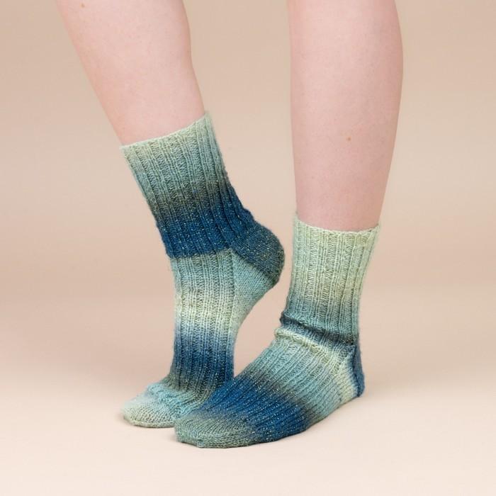 Free Rib Stitch Sock Knitting Pattern