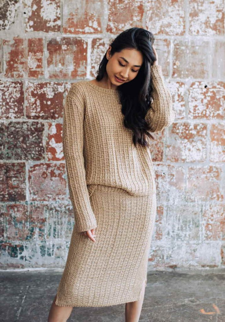 Free knitting pattern for a pencil skirt and sweater set