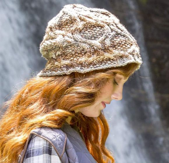 Free Wood Grain Cabled Hat Pattern