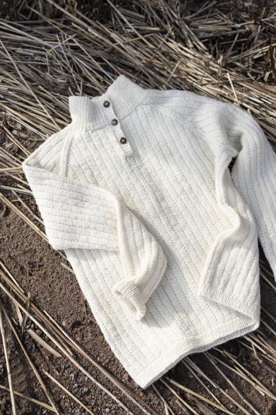 Free knitting pattern for a mens raglan sweater