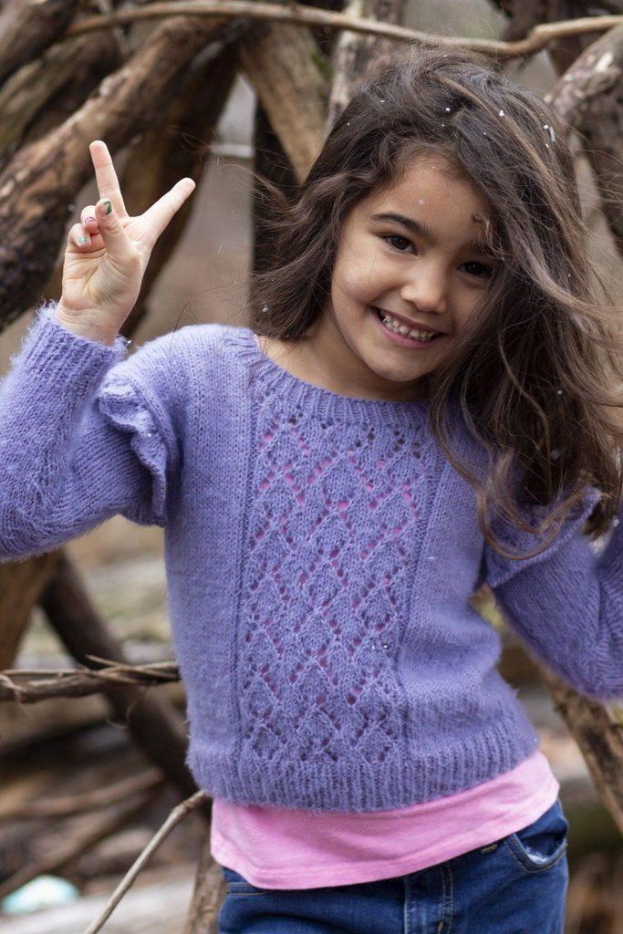 Free lace sweater knitting pattern for girls